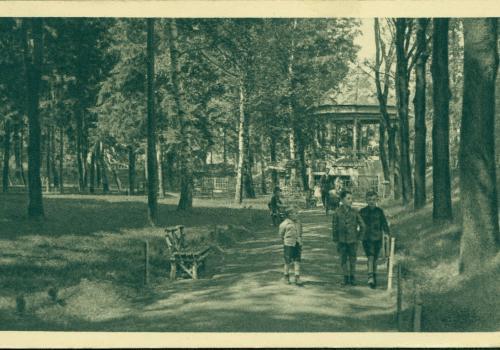 Háječek na Krumlovském stromořadí (1927)