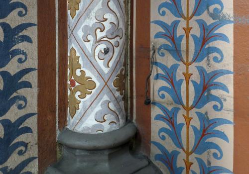 Výzdoba stěn. Foto: Jitka Erbenová (21. dubna 2012)
